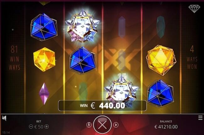 mainiot symbolit pelissä